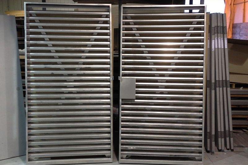 Portes grillagées